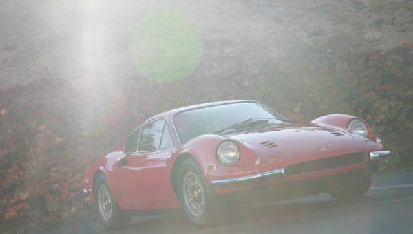 Jízda ve Ferrari i jiné adrenalinové zážitky pro muže